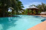 Enjoys views of mainland Honduras or the east End of Roatan & Guanaja from the vast main deck.